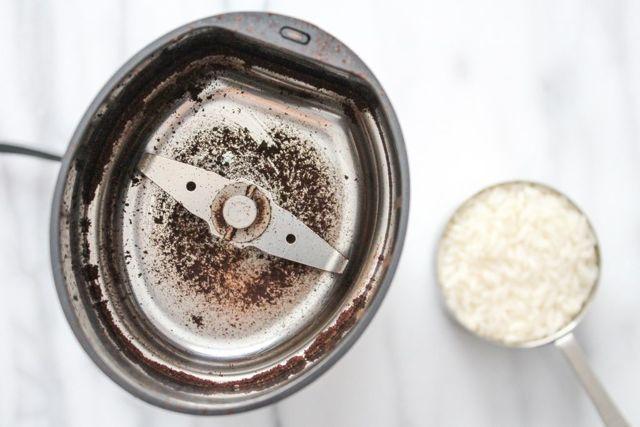 Как и чем почистить кофемолку? Советы домохозяйке