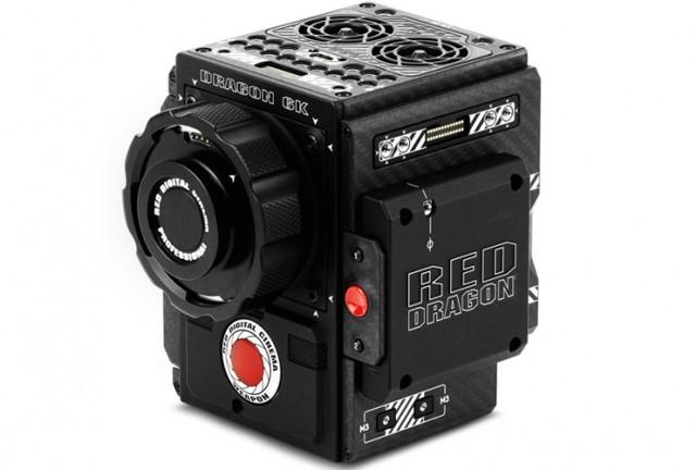 Что лучше выбрать: цифровой фотоаппарат или видеокамеру?