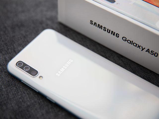 samsung galaxy a9 vs a50 – что лучше? Сравнение смартфонов