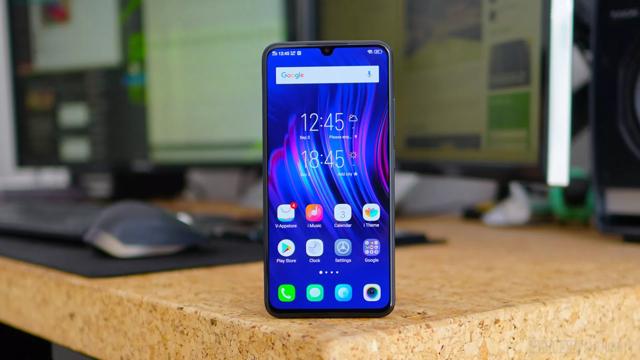 Все смартфоны со сканерами отпечатков в экране, обзор 2019