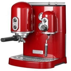 Какая кофеварка лучше: капельная или капсульная?
