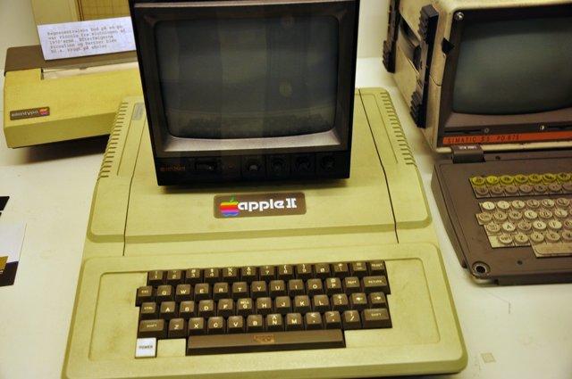 apple впервые за свою историю создали собственные экраны