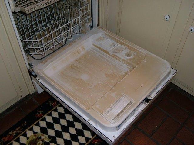 Налет после мойки в посудомоечной машине? Что делать?