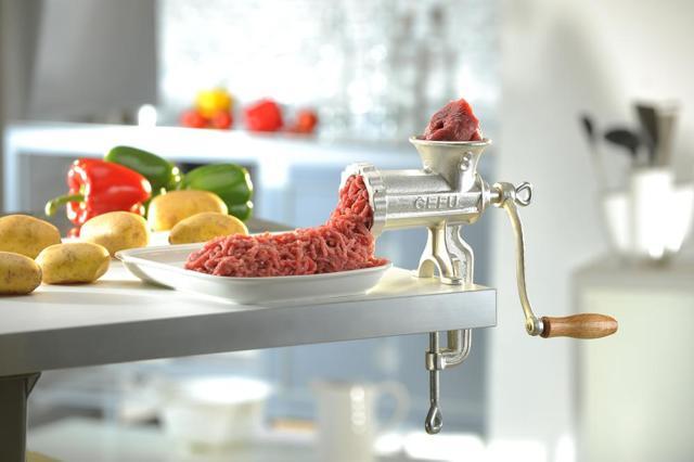 Рейтинг лучших ручных мясорубок