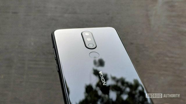 Лучшие смартфоны до 35000 рублей в ноябре 2019, рейтинг