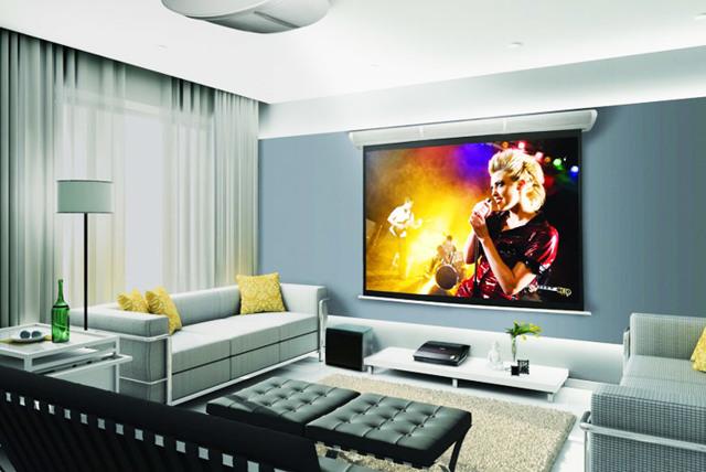 Проектор или монитор: что лучше выбрать?