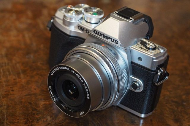 Рейтинг лучших полупрофессиональных фотоаппаратов