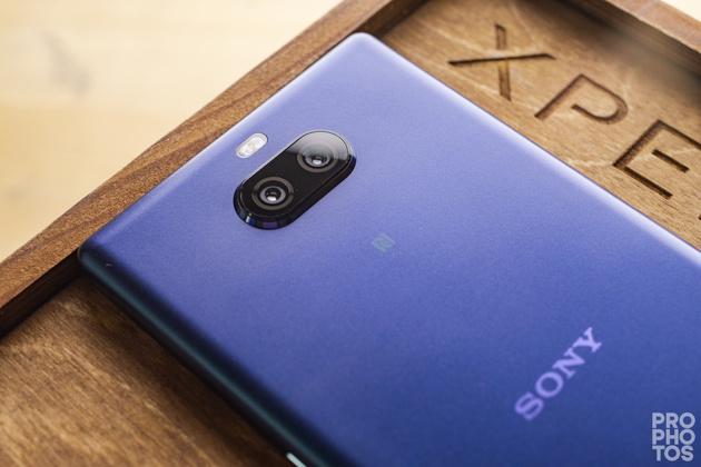 Обзор sony xperia 10 plus, примеры фото на камеру