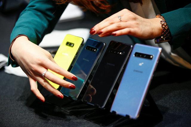 iphone xr или samsung s10 – кто круче, сравнение смартфонов