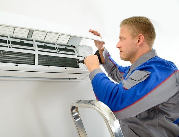 Неприятный запах из кондиционера в квартире (дома): как устранить, откуда он берется?