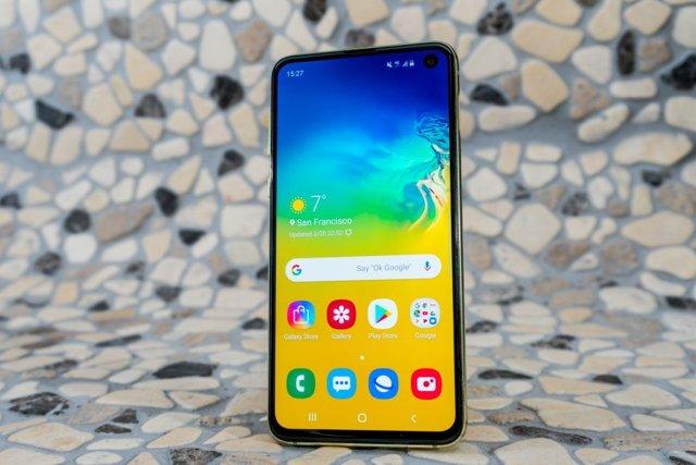 samsung galaxy s10 plus vs s9 plus: сравнение смартфонов