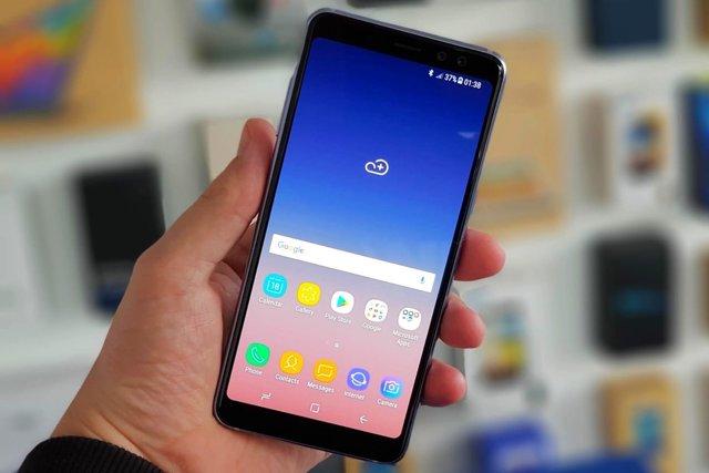 Лучшие безрамочные смартфоны в ноябре 2018 года: ТОП 5