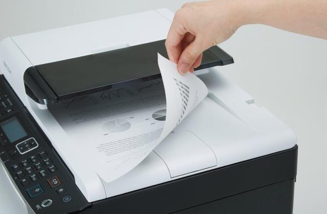 Почему принтер бледно печатает. Что делать?