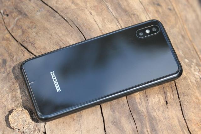 Лучшие смартфоны до 35000 рублей в апреле 2019: ТОП 5
