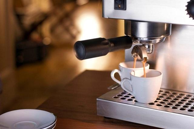 Чем и как почистить кофеварку от накипи?