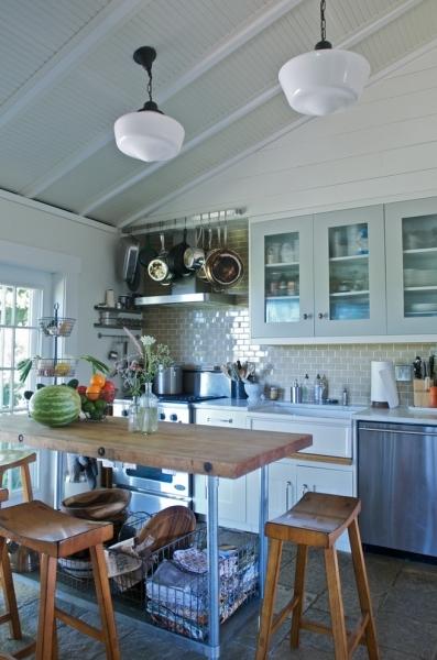 Самые необычные вытяжки для кухни, дизайнерские модели