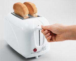 Как пользоваться тостером? Правила и безопасность
