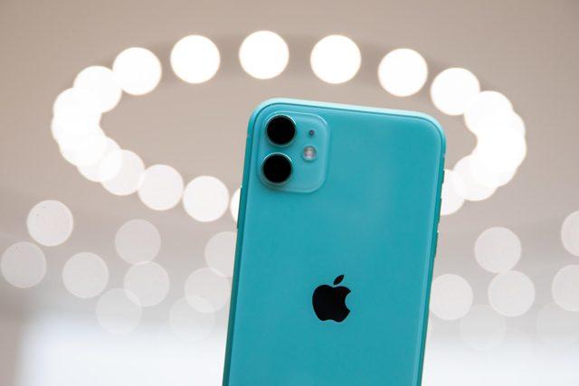 Стоит ли брать iphone 11? Сравнение с конкурентами