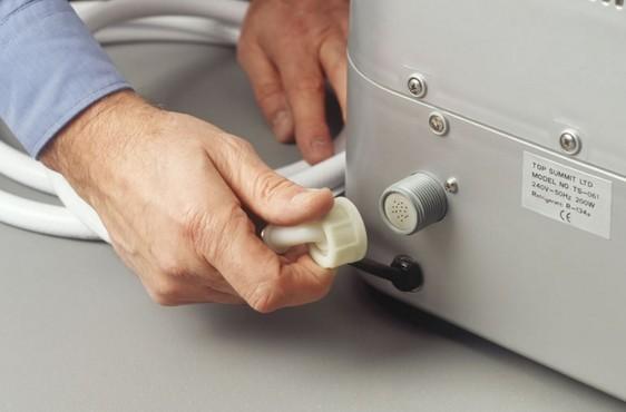 Как работает льдогенератор в холодильнике?