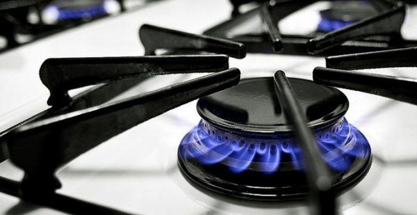 Чем и как почистить конфорки газовой плиты?